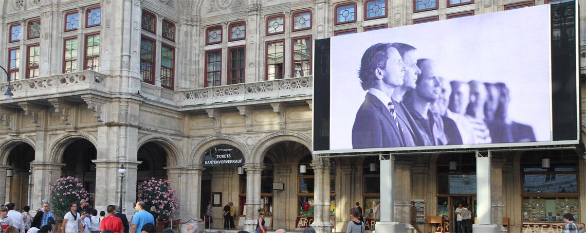 :: firstSpot media :: Out of Home Werbung bei Wiener Staatsoper live am Platz |LED HD Indoor und outddor SMD Wall Videowall Wand Screen mieten und kaufen bei firstSpot, Wien, Österreich. http://www.firstspot.at