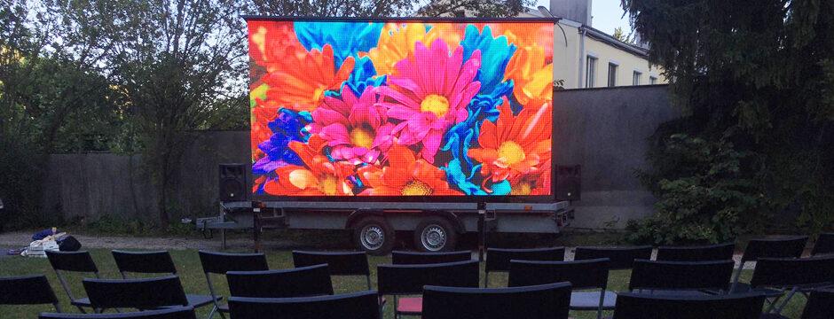 Großer Bildschirm Videowall für Hochzeit, Feier, Geburtstagsfeier, Firmenfeier, Weihnachtsfeier mieten Wien Österreich